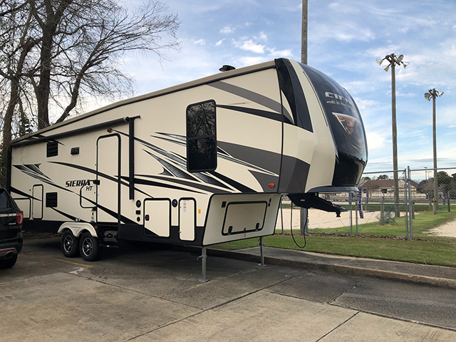 Image 4 of 2018 Sierra by Forest River 5th Wheel Camper