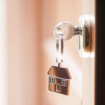 4 Quick and Essential Tips for Buying a Home