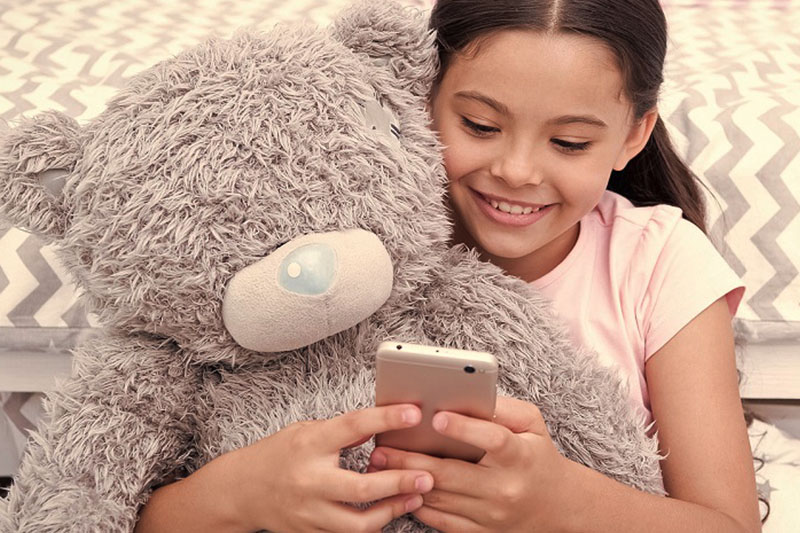 Pirated Apps Target iPhones And The Children Who Use Them