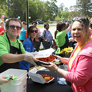 Pelican State CU Gives Away 500 Pounds of Crawfish to Members