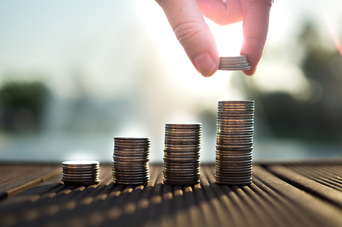 4 steps to take now to reach your financial freedom later