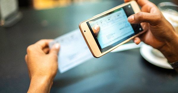 The Advantages of Online and Mobile Banking