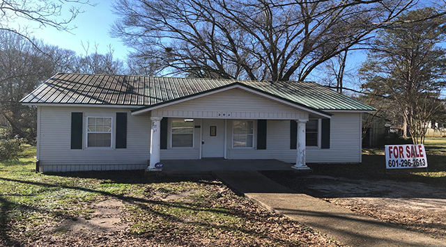 Image of 202 West South Avenue, Mendenhall, MS 39114t