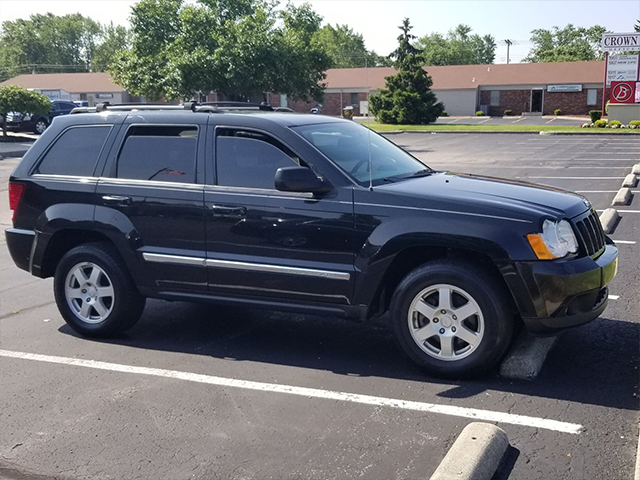 Image 2 of 2010 Jeep Grand Cherokee Laredo 4x4