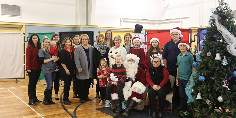 TS Bank Employees bring Christmas to Children's Square U.S.A.
