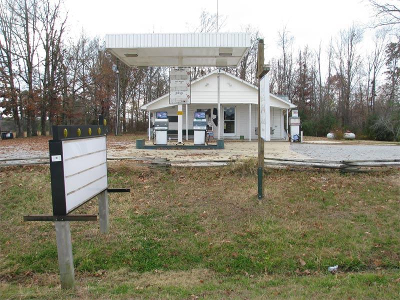 2764 Lawrenceburg Hwy, Waynesboro
